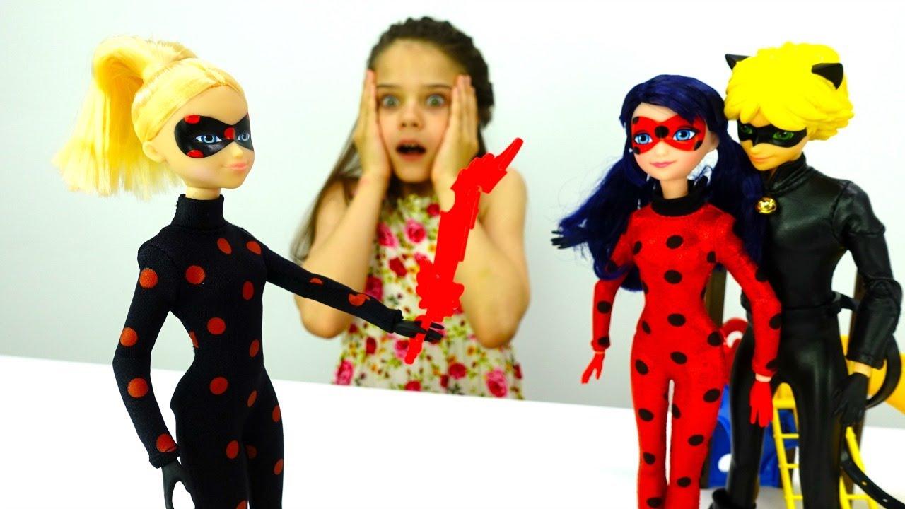 Анимационные Мультики. Открываем Киндеры с игрушками Барбоскины .