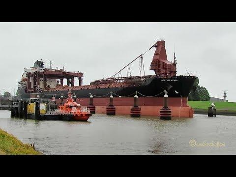 self discharging bulk carrier seabound BONTRUP PEARL C6KB2 IMO 8309397 BJ 1984 merchant vessel cargo