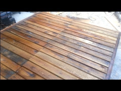 Shed from FREE pallets: SIDING part 2