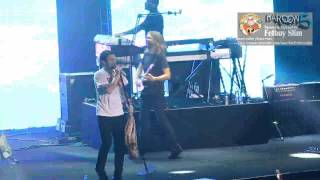 MAROON 5 - Moves Like Jagger / Intro Gangnam Style ( Encore ) live in Jakarta October 4 & 5 , 2012
