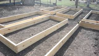 Daddykirbs Garden 2013: Building & Filling Raised Beds
