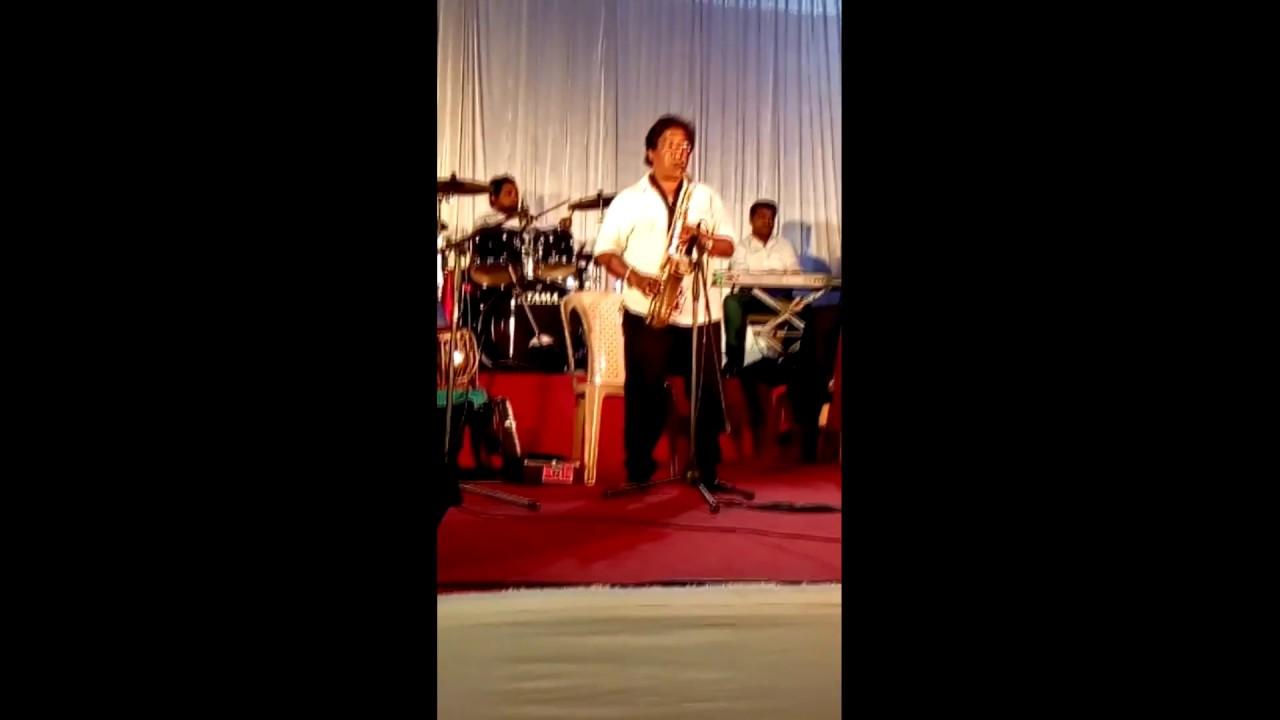 Bahon Mein Chale Aao Saxophone Instrumental by K. Mahendra