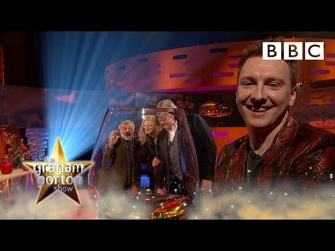 Joe Lycett has MASTERED the selfie 😂 - BBC