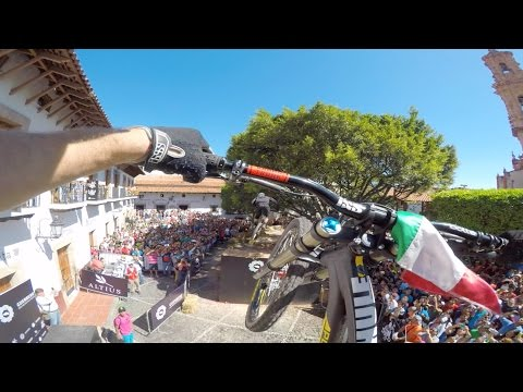 GoPro: Downhill Taxco 2016 Course Preview with Chris Van Dine, Antoine Bizet and Wil White
