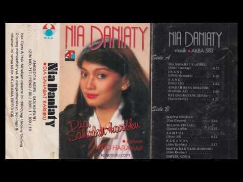Nia Daniaty - Dia Sahabat Karibku