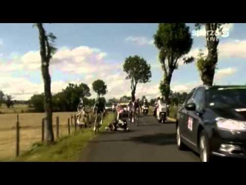 France Television car hits JA Flecha Hoogerland ends up in barbed fence