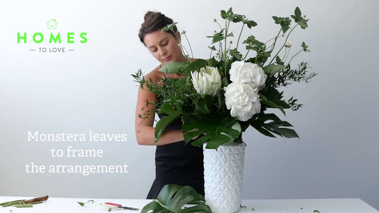 How To Arrange Flowers In A Tall Vase