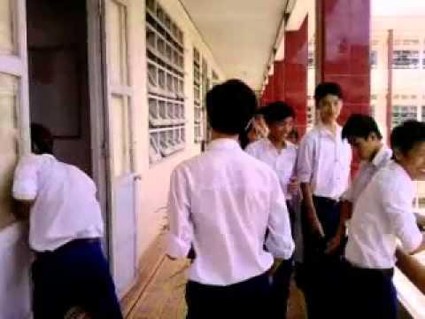 Học sinh cấp 3 tỏ tình gây sốc - mất đến 10 phút cho lần đầu