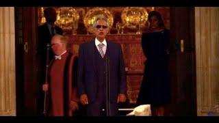 La performance di Andrea Bocelli alle nozze della principessa Eugenie vi farà emozionare