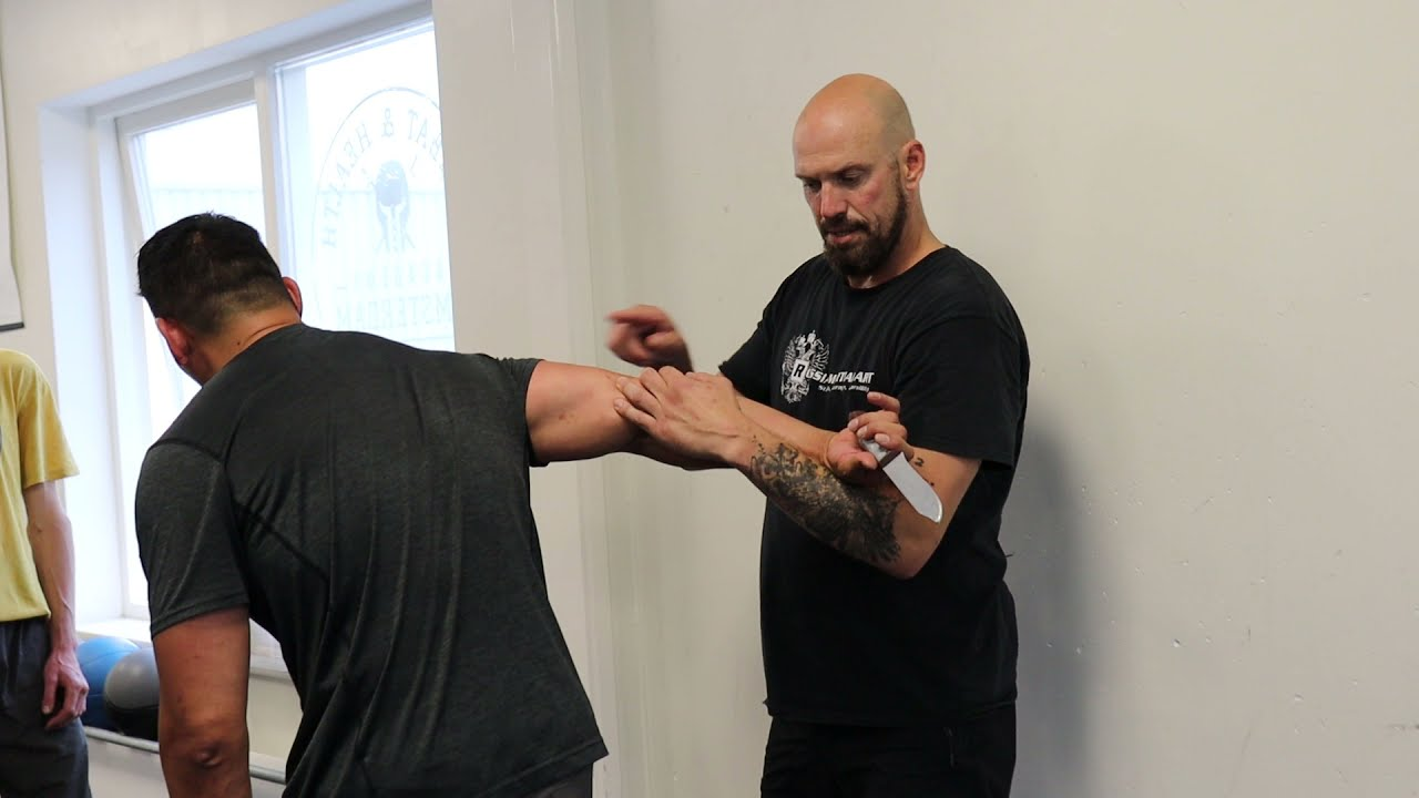 Download Working in a movement chain Systema Amsterdam