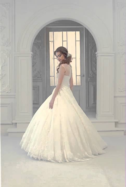 c3116737ba880 اجمل فستان عروس ممكن. فل وياسمين لبدلات العرائس