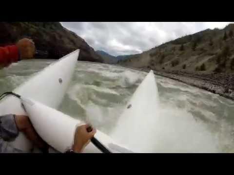 Fraser river Canada : HUGE WAVES in Cataraft