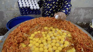 INDIA\'S BIGGEST Scrambled Egg | 240 EGGS Scrambled with Loads of Butter | Indian Street Food