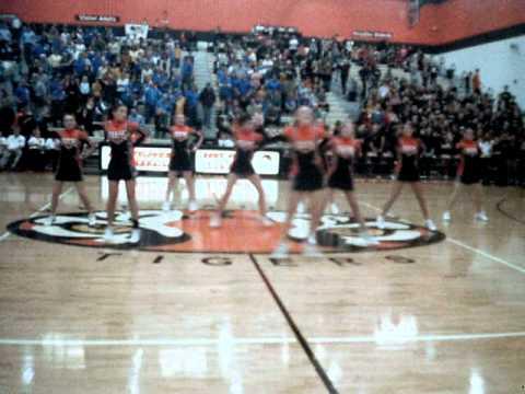 Cheerleading Dance Versailles High School 2011
