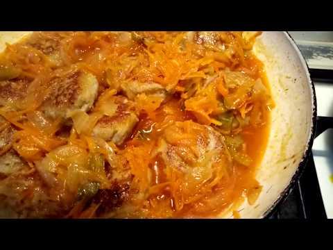 Рыбные  тефтели в томатном соусе с добавлением овощей.  Просто, вкусно ,бюджетно!!!