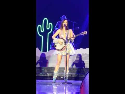 Kacey Musgraves @ Target Center 22-August-2014 - Merry Go 'Round