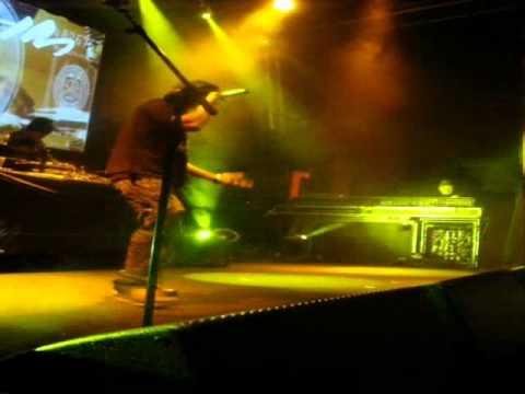 "Scary Eire - ""Dole Q"" Live ...Dj Mek & Rira"