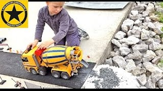 BRUDER TOYS Concrete-Mixer TRUCK played by Jack with Concrete (substitute)!