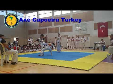 Amazing Capoeira Takedown by a Kid Capoeirista