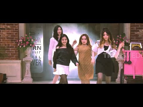 BLACKPINK Ngomong Ngapak dan Nyanyi Goyang Nasi Padang | OPERA VAN JAVA (08/12/18) Part 1