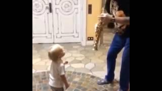 Сын Наталья Подольской танцует