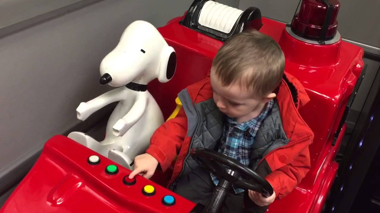 Toys R Us Ride : Ethan ride snoopy s fire truck at toys r us youtube