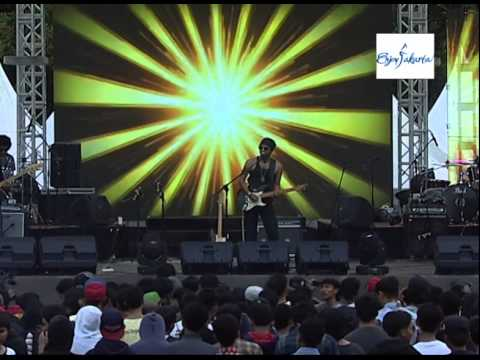 COZY REPUBLIK  Jakarta Music Festival 2014