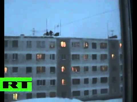 Russian kids jump off buildings - MUST WATCH Winter Fun!