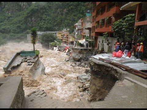 Huayco arrasa todo a su paso Lima 2017 - Personas inconscientes ¡Perú en emergencia!