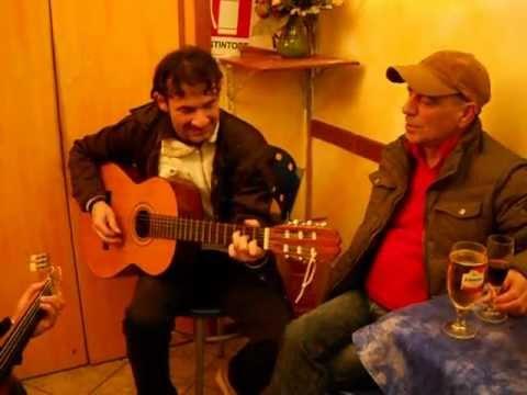 Sassari musica. Virgilio e Cristian con Andrea Poddighe al bar Grillo di Roberto Casula