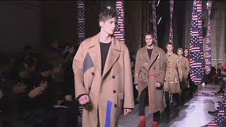 Carven ve Valentino erkek kıyafetleriyle Paris'te ilgi çekti - le mag