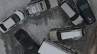 Сильный снегопад вызвал транспортный коллапс во Владивостоке