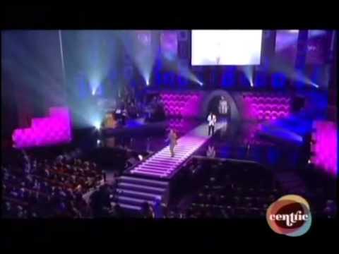 El DeBarge Sings Tribute to Ron Isley