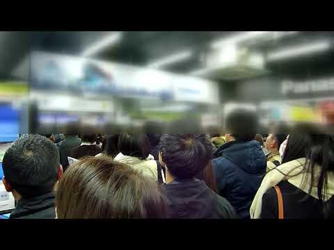 羽生結弦金メダルの瞬間!! 家電量販店は昭和の街頭テレビ状態に!!People who see the gold medal moment of Hanyu  at store