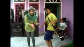 Video Goyang Heboh - UCHIE Biduan Gadungan.3GP download MP3, 3GP, MP4, WEBM, AVI, FLV Juli 2018