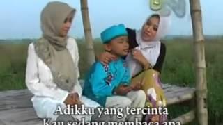 Video Ilham, Nur Aini, Siti Maimunah - Sholawat -by nasiruddin - YouTube.flv download MP3, 3GP, MP4, WEBM, AVI, FLV November 2018