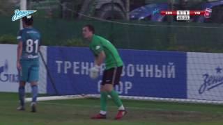 Андрей Лунев отбивает пенальти в матче с «Видеотоном»