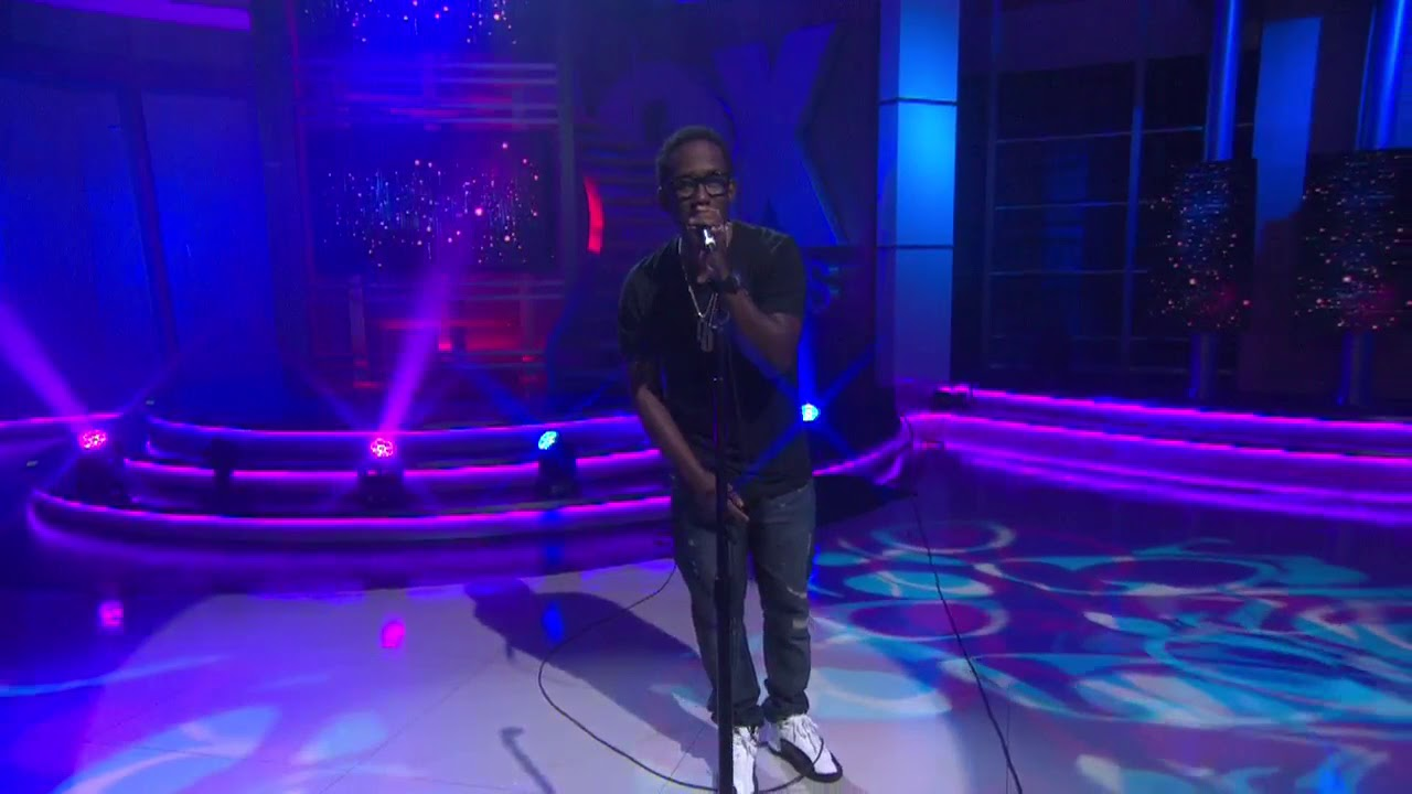 Shawn Stockman performs new song from upcoming solo album