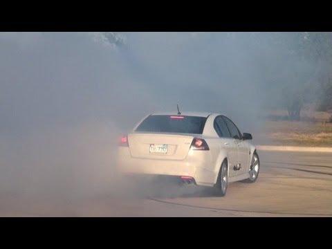 SMOKESHOW BURNOUT!! PONTIAC G8 GT SHREDDING TIRES!