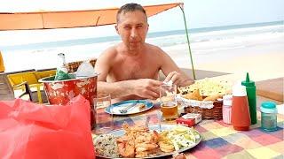 Индия Гоа цены в Кафе У МАШИ Маджорда  Кушаем креветки .ЦЕНЫ на еду в кафе на берегу. ШИКАРНЫЙ ПЛЯЖ