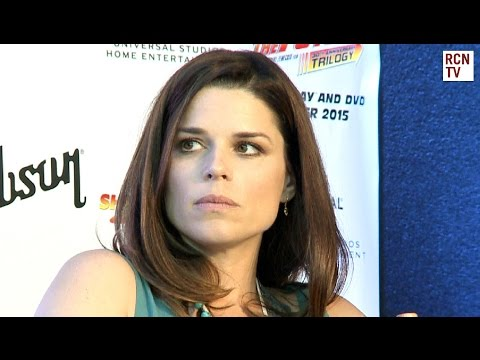 Scream 5 & TV Series - Neve Campbell Interview