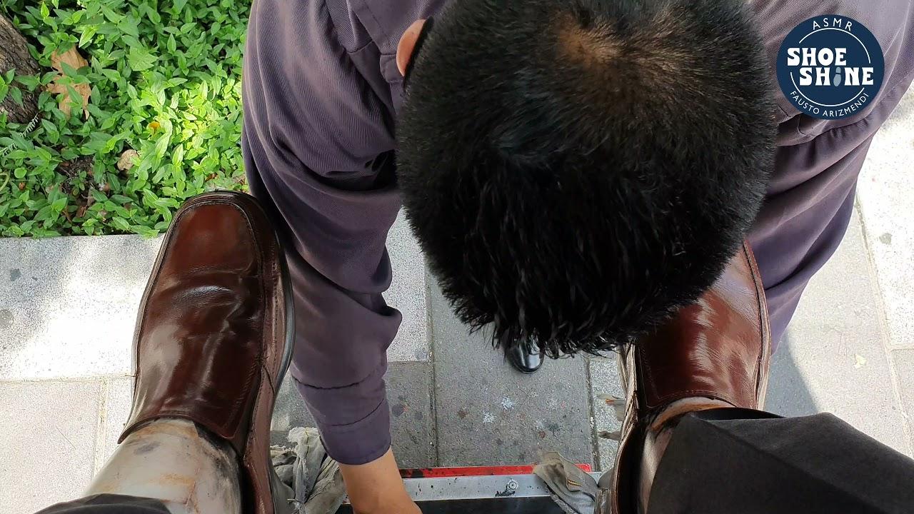 S4E106 wonderful shoe shine service on brown laceless shoes #mexico #ASMR#shoeshine #faustoarizmendi