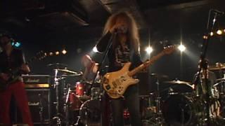 at EARTHDOM 15th April 2010 SONG: Rain KEN:GUITAR,VOCAL ZIGEN:GUITA...