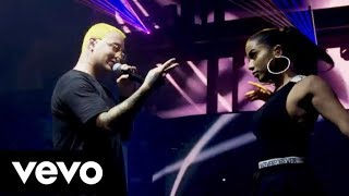 Baixar DownTown - Anitta feat J Balvin (Live at Viva Latino)