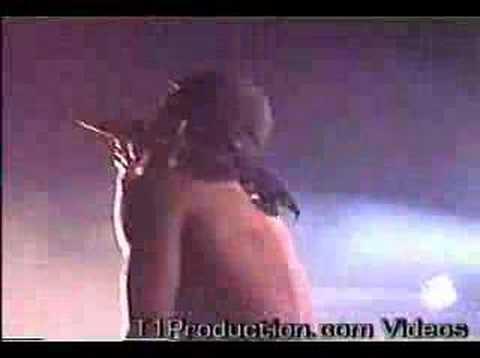 Petey Pablo On Stage performing Freak-a-Leek 2004