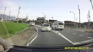 毎朝危険運転を繰り返すハイエース 奈良 430 て ・1 12 thumbnail
