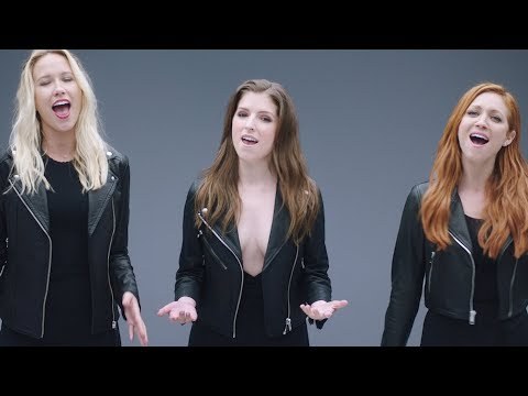 'Pitch Perfect 3' and The Voice Perform