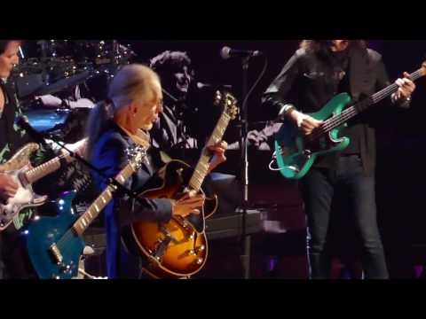Yes Rock Hall of Fame Induction 2017 - Roundabout w/ Geddy Lee