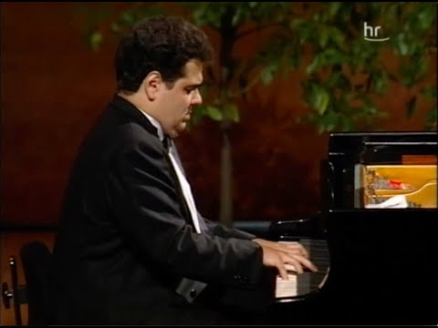 Arcadi Volodos plays Schubert Piano Sonata D.894 – video 2000