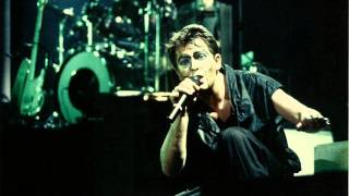 Peter Gabriel - The Family and the Fishing Net (live Rock Werchter 1983)